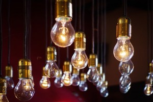 light-bulbs-918581_640